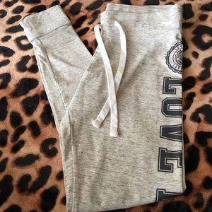 New Vs pink campus pants size small